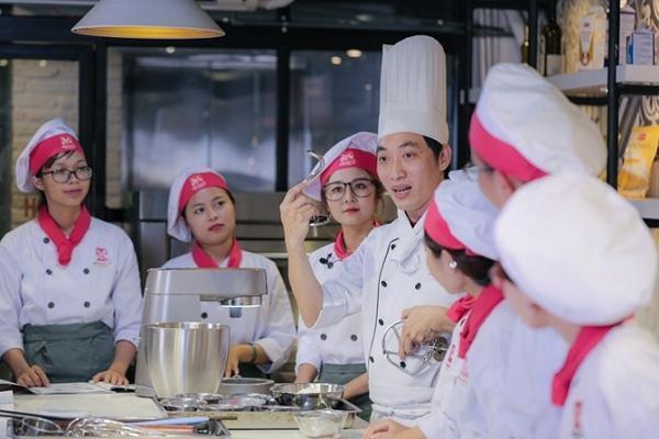 Lịch khai giảng bếp bánh