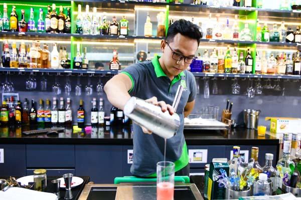 nghề bartender sáng tạo