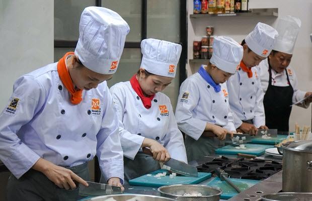 Học Phí Trường Dạy Nấu Ăn Á Âu