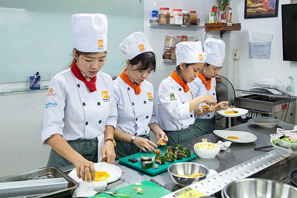 học phí học nấu ăn