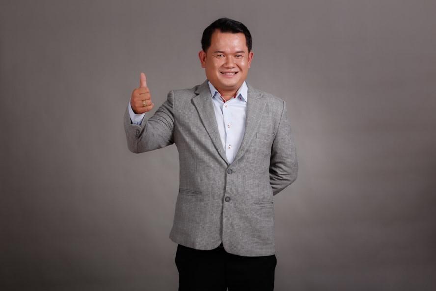Thầy Nguyễn Huỳnh Vi Vương