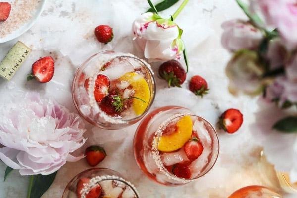 Công Thức Tequila Rose Spritz Cocktail Ngọt Ngào