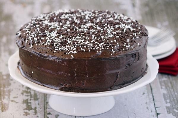 Cách làm bánh kem socola đơn giản, ăn là ghiền