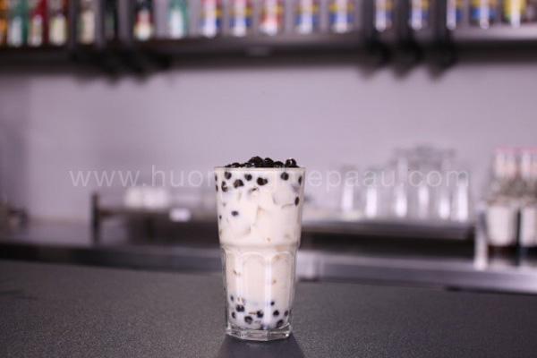 pha trà sữa tươi trân châu đường đen