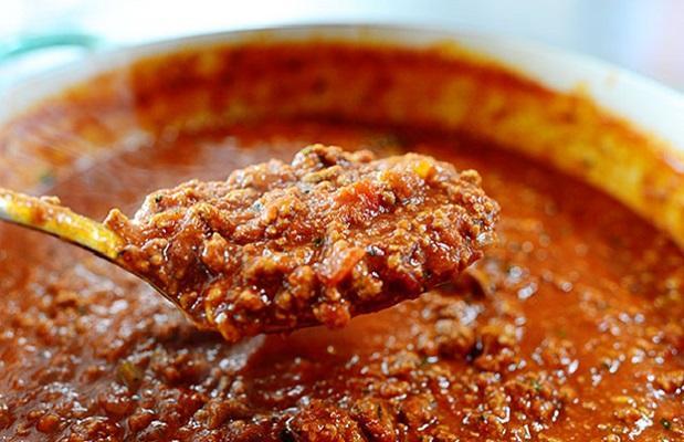 Làm nước sốt thịt bò bằm (Bolognese sauce)