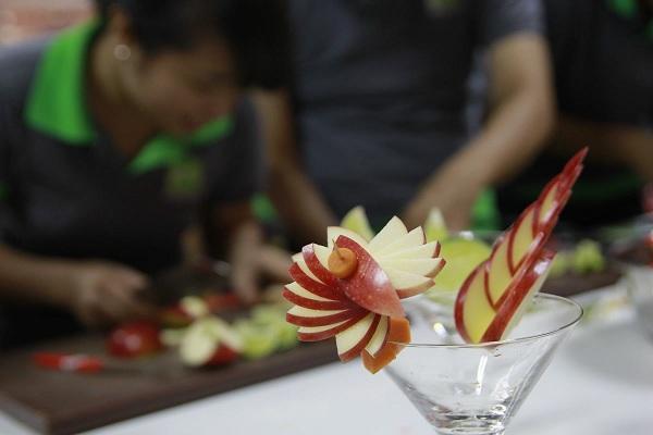 cắt tỉa trái cây trang trí