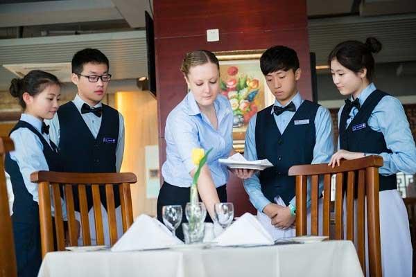 quản trị nhà hàng khách sạn đào tạo ở trường đại học