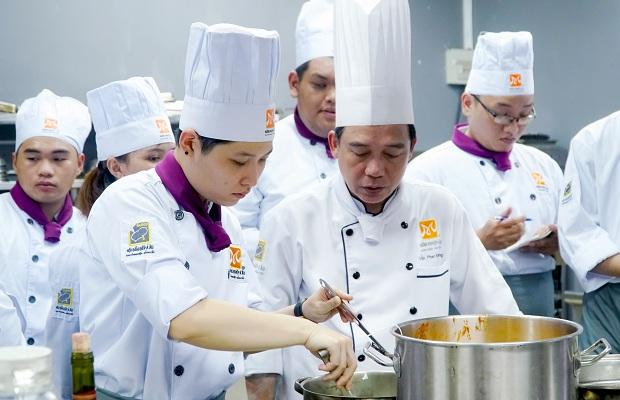 dạy nấu món âu ở tphcm