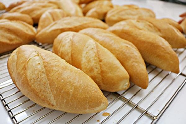 Kinh doanh bánh mì 1 vốn , 4 lời
