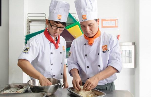Học nghề bếp ổn định cuộc sống