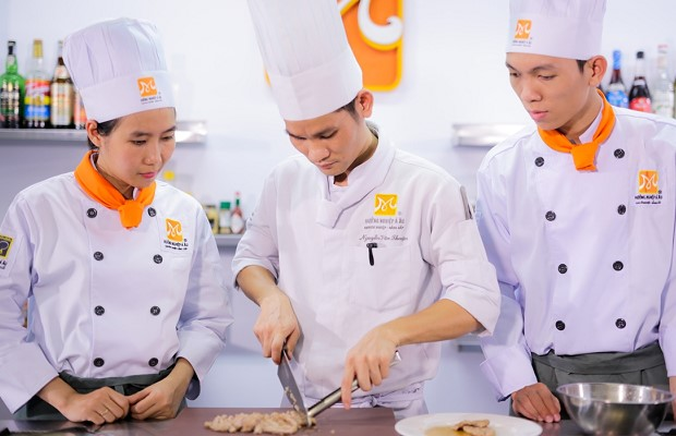 học nghề đầu bếp