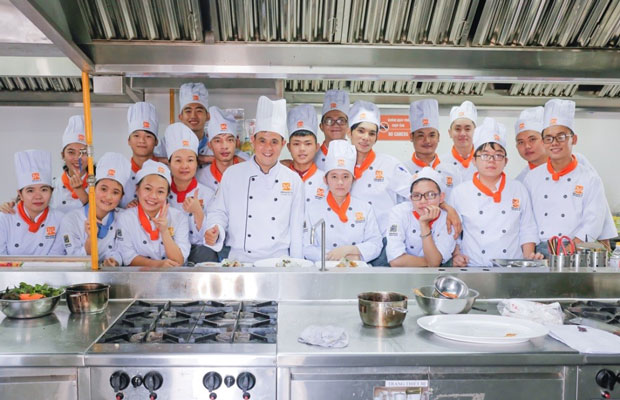 Lớp học nghề bếp