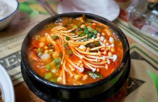 Món canh kim chi chay