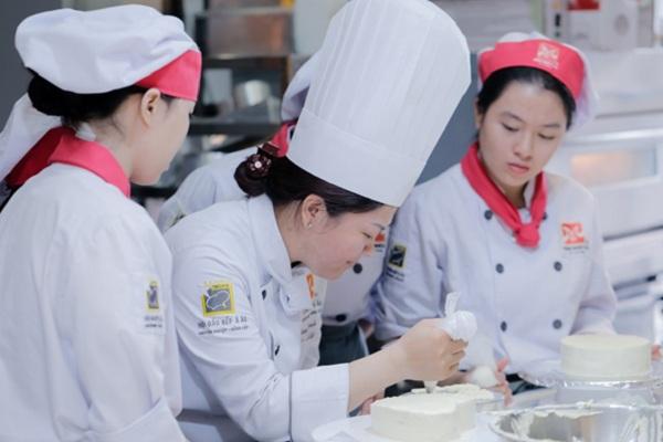 mức lương mơ ước của Bếp Trưởng Bếp Bánh