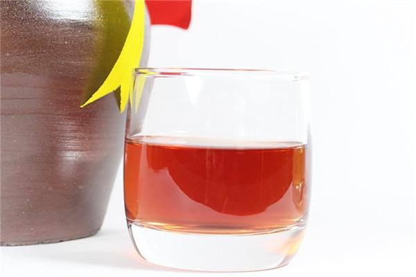 rượu nếp việt so với rượu truyền thống khác