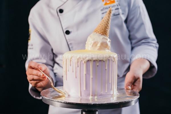 Tạo hình bánh kem theo xu hướng hiện đại