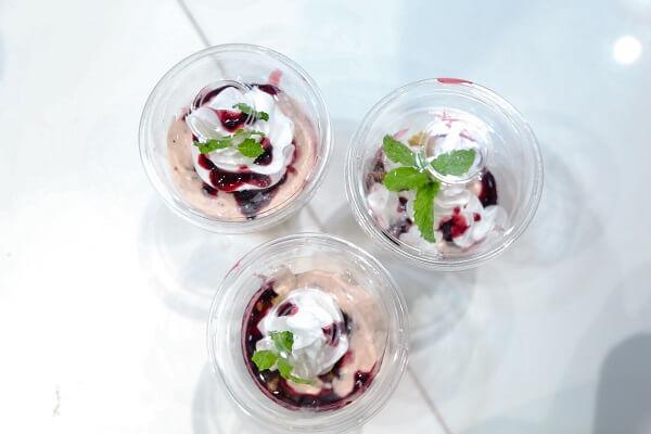 thanh pham banh bluberry