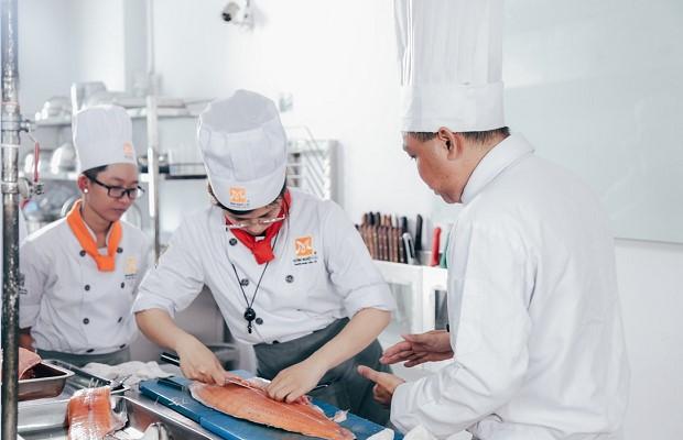 Thực hành tại phòng bếp mô phỏng bếp