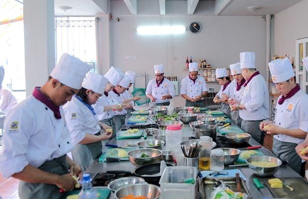 Cung cấp nhiều kỹ năng bếp âu