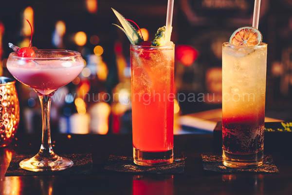 cocktail màu sắc