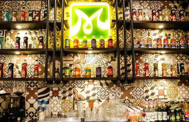 thiết kế và trang trí khu vực quầy bar