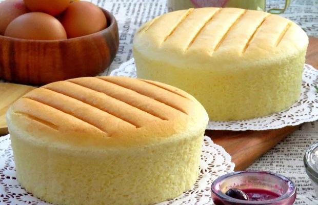 bánh bông lan bằng nồi cơm