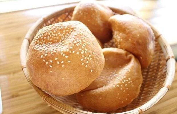 bánh tiêu mộc mạc