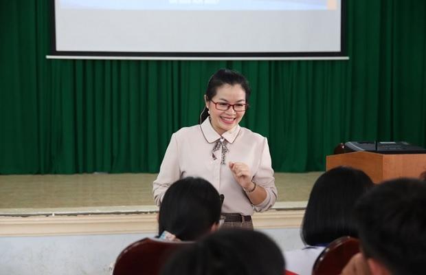 Cô Nguyễn Thị Quỳnh Anh