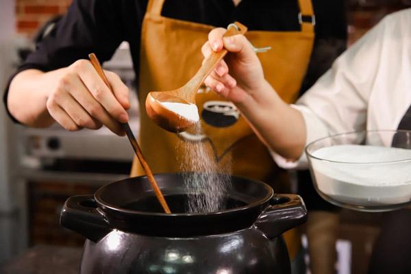 nấu trà sữa thơm đậm vị