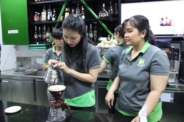 kỹ thuật pha chế café thủ công