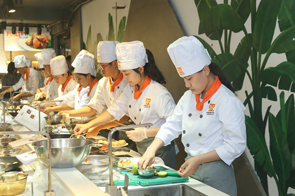 cooking contest là nơi giúp học viên tự do thể hiện năng lực