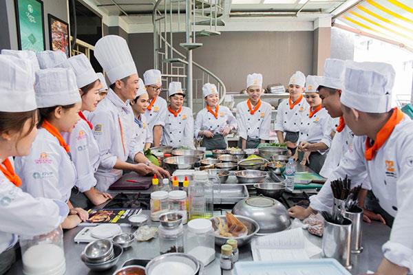 học viên ngành bếp dễ dàng tìm được việc làm