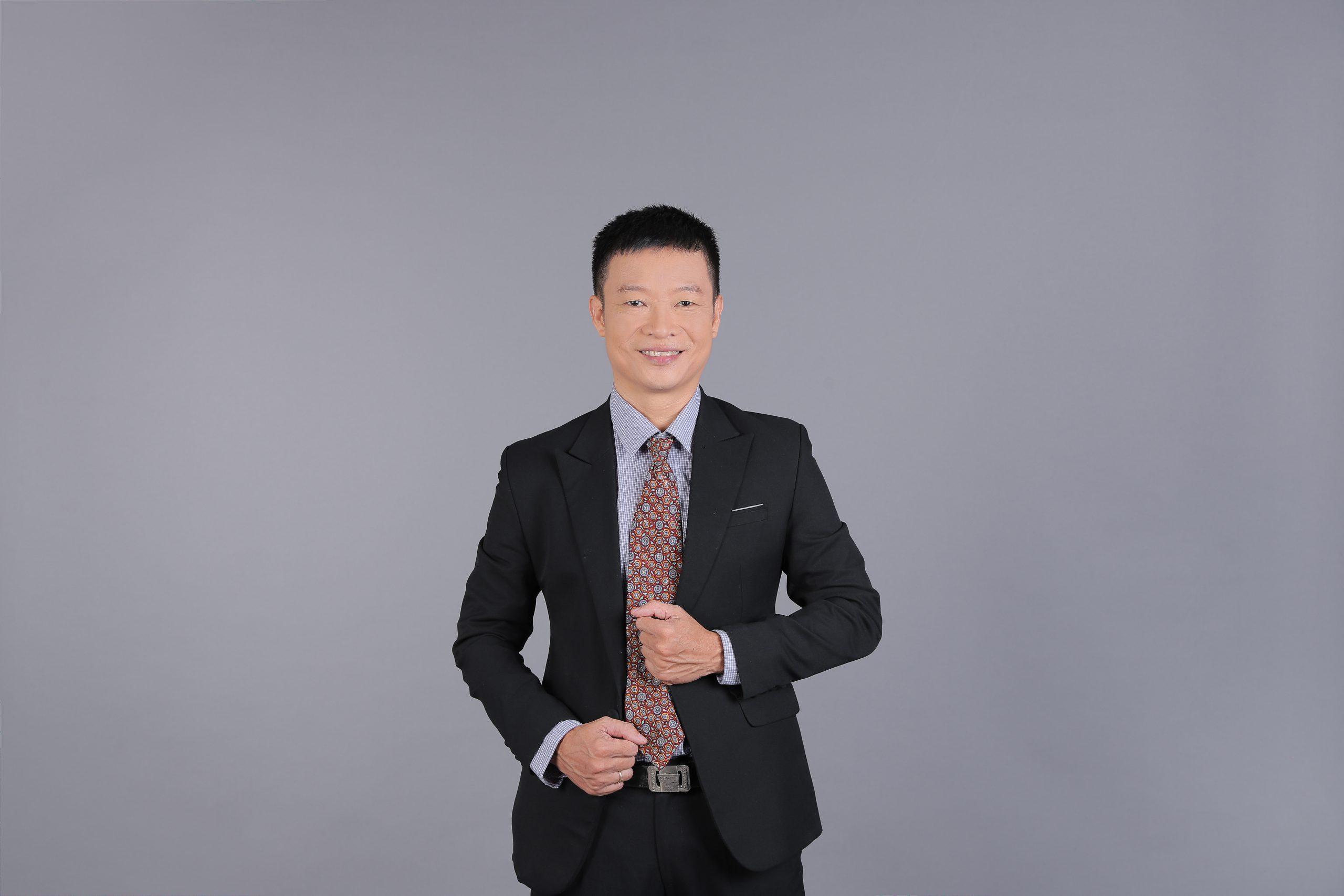 Thầy Nguyễn Đình Nam